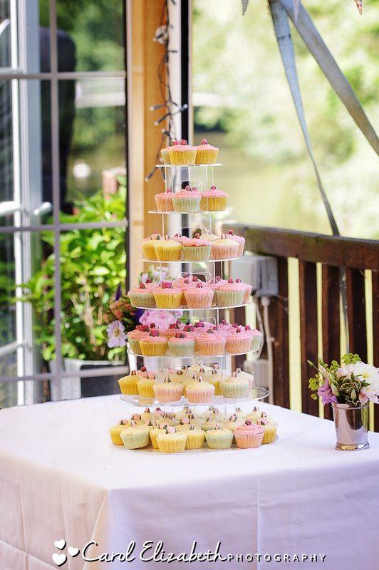 Cherwell Boathouse wedding cake
