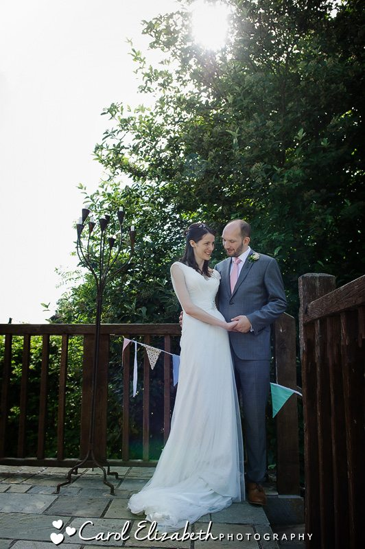 Bride and groom at Cherwell Boathouse
