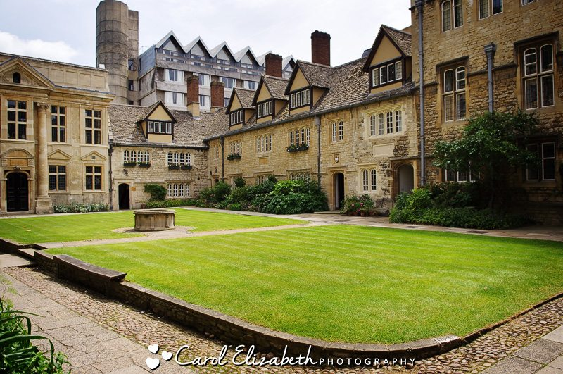 Oxford University wedding at St Edmunds Hall by Carol Elizabeth Photography