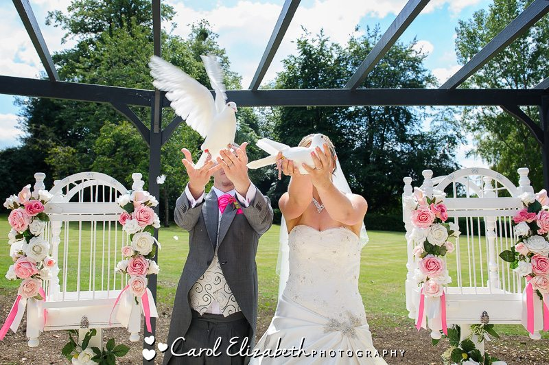 Wedding Doves in Oxford and Abingdon