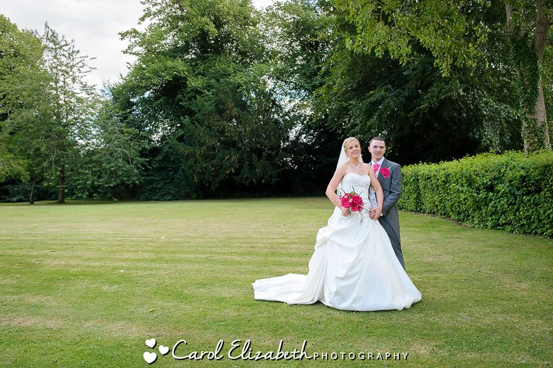 Informal wedding photography at Sudbury House Hotel in Oxfordshire
