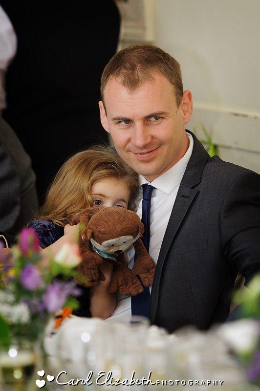 Natural wedding photos of wedding guests