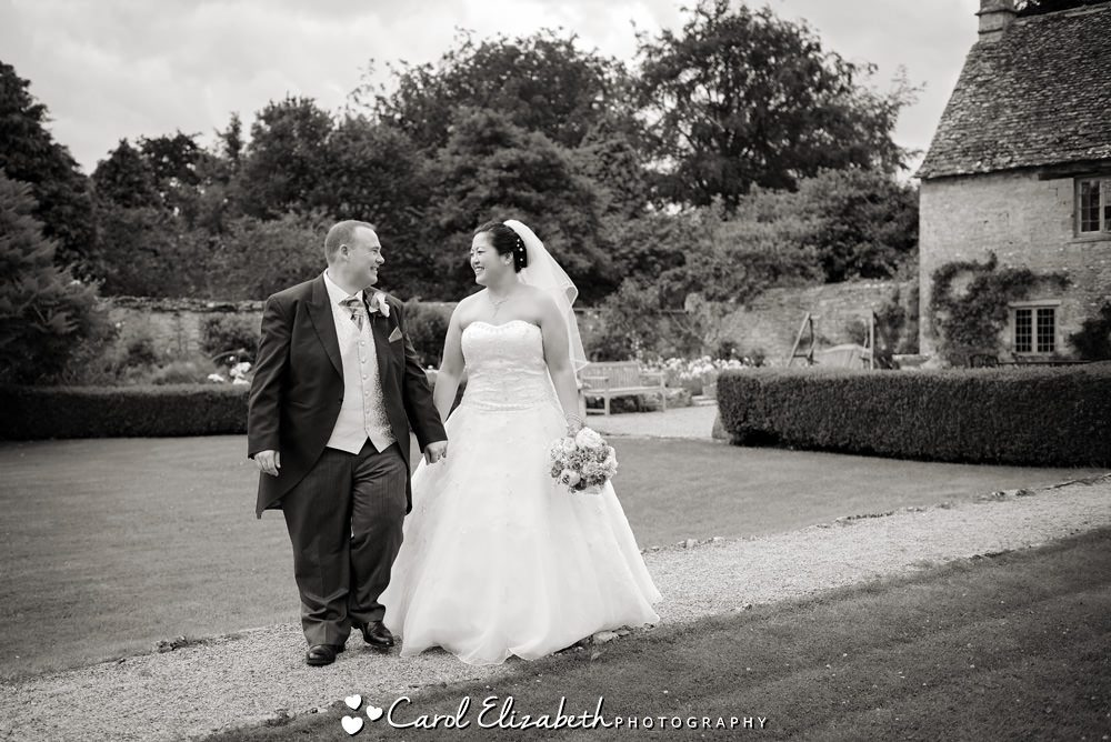 Natural wedding photos in Oxfordshire