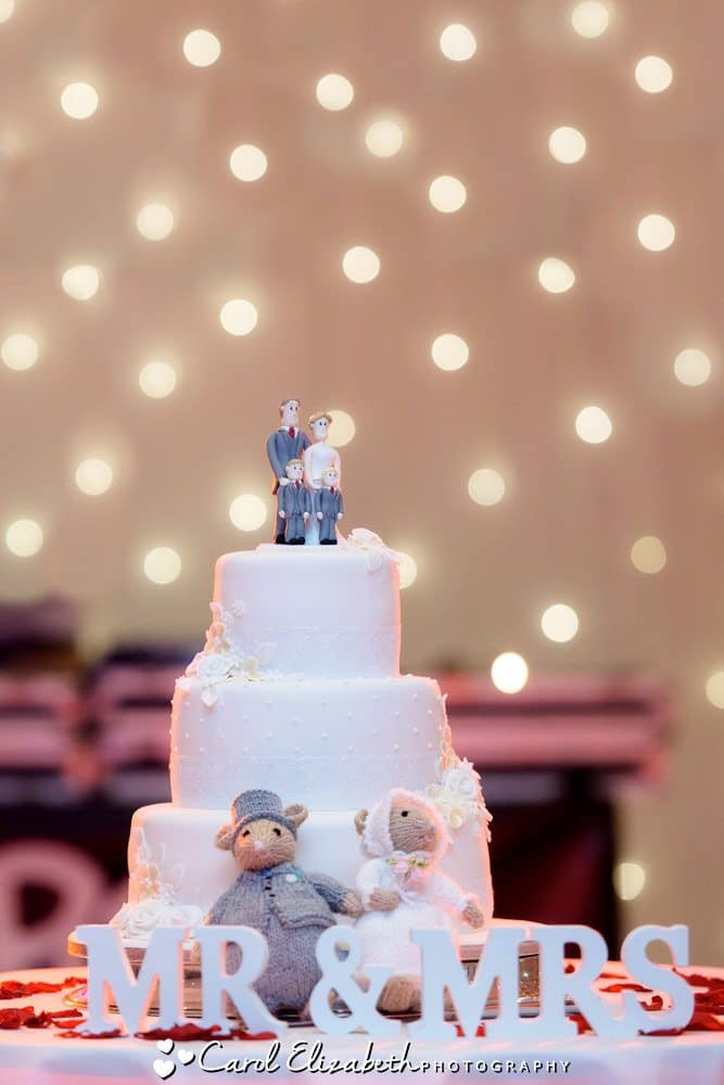 Wedding cake with fairy lights backdrop
