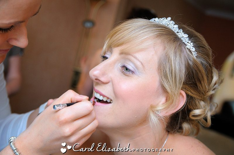 bridal preparations - bridal make-up - oxford wedding photography