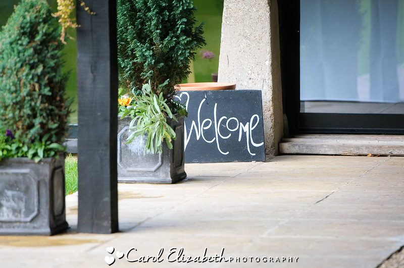 Lains Barn wedding welcome sign