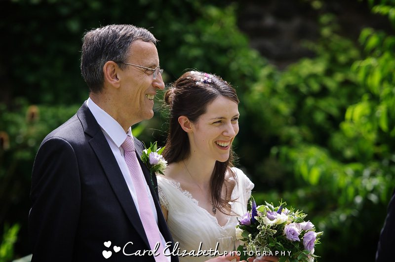 Relaxed photography at Oxford College wedding