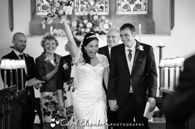 Abingdon wedding photography at The Dog House Frilford and wedding at Shippon Church