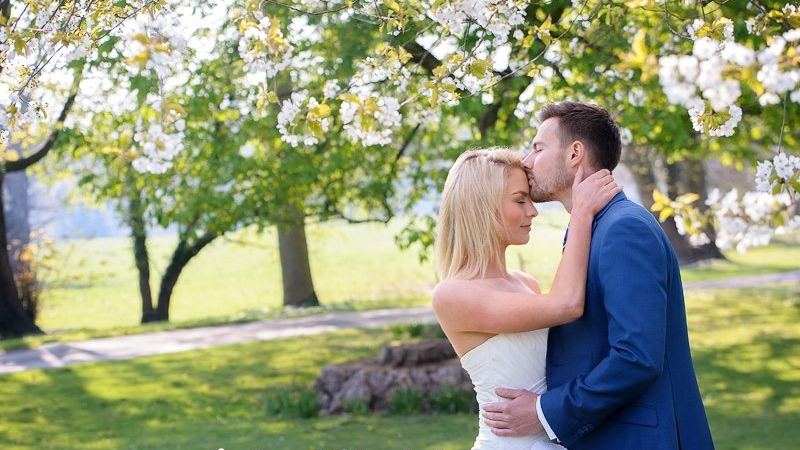 Informal wedding photography in spring time
