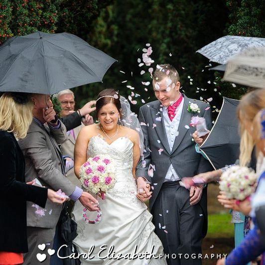 Wedding confetti at Abingdon church wedding