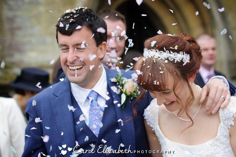Lechlade church wedding photos of confetti