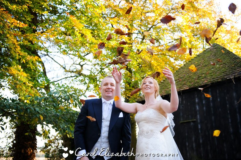 Autumn photo of bride and groom