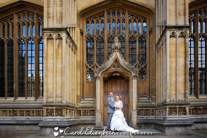 Wedding couple at Sir Christopher WRen door