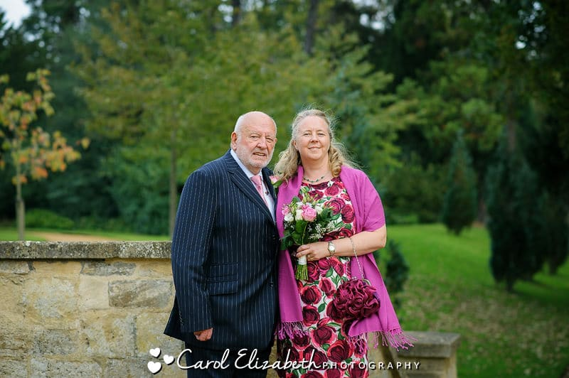 Informal Abingdon wedding photography in Abbey Grounds