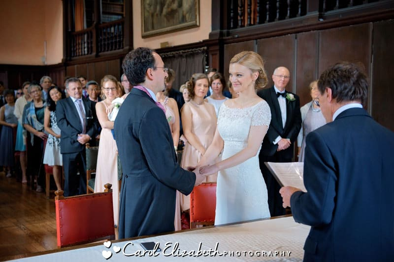 Relaxed wedding at Oxford Town Hall