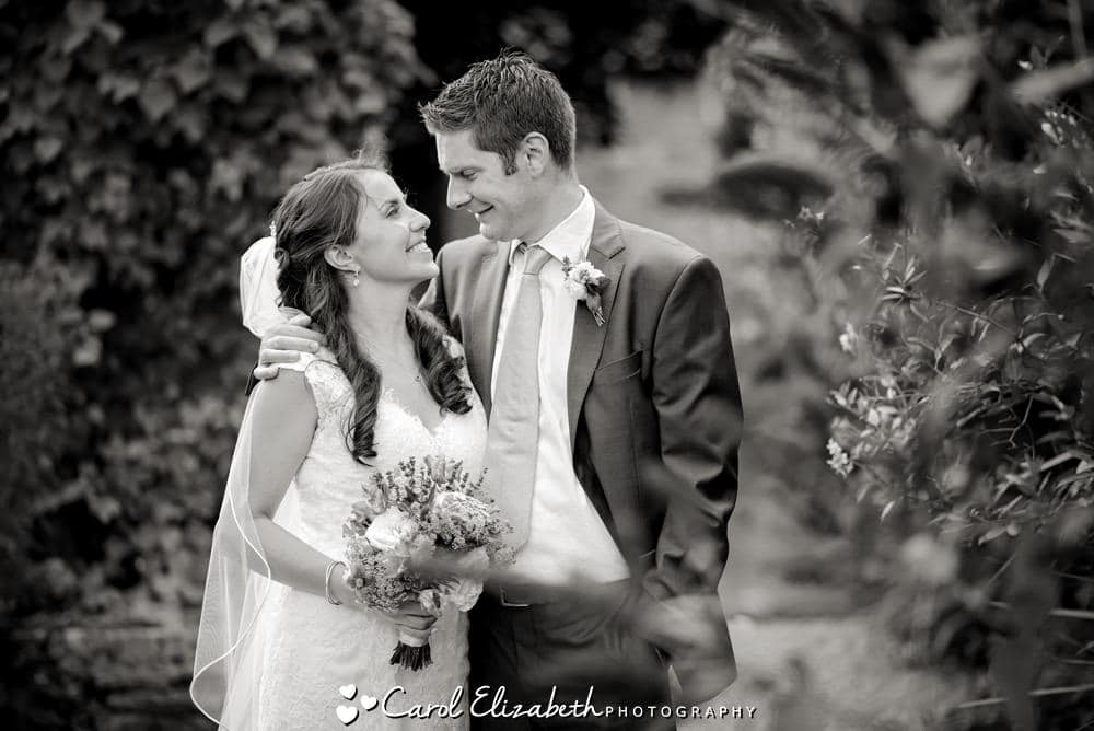 Natural wedding photographer in Oxfordshire