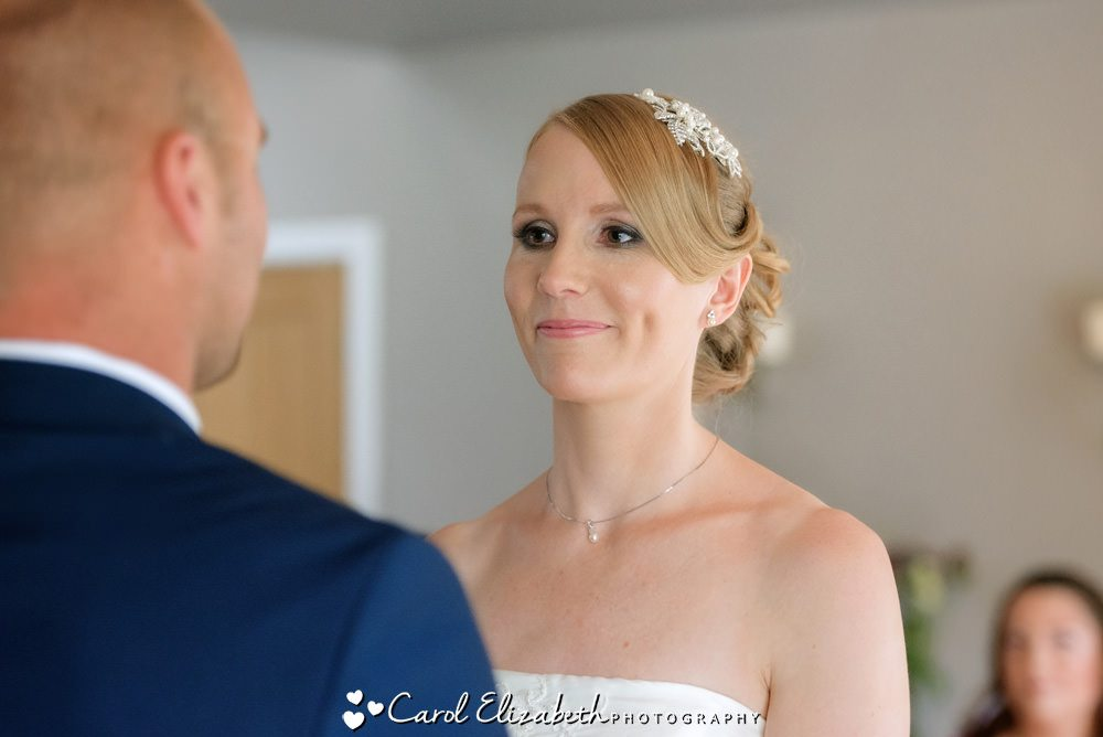 Fosse Manor wedding photographer - Hyde Barn weddings