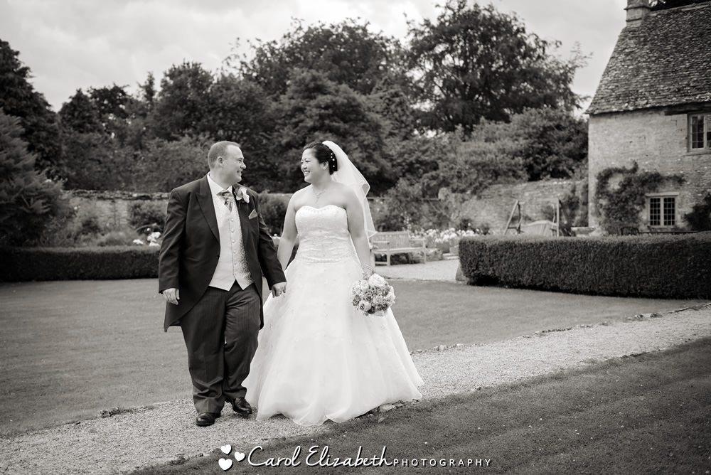 Natural wedding photos in Oxfordshire