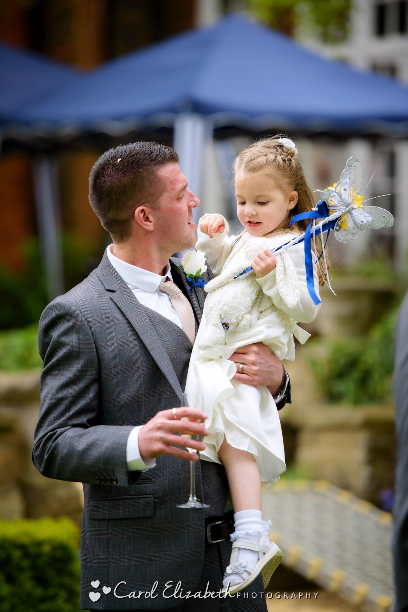 Documentary wedding photography in Oxfordshire