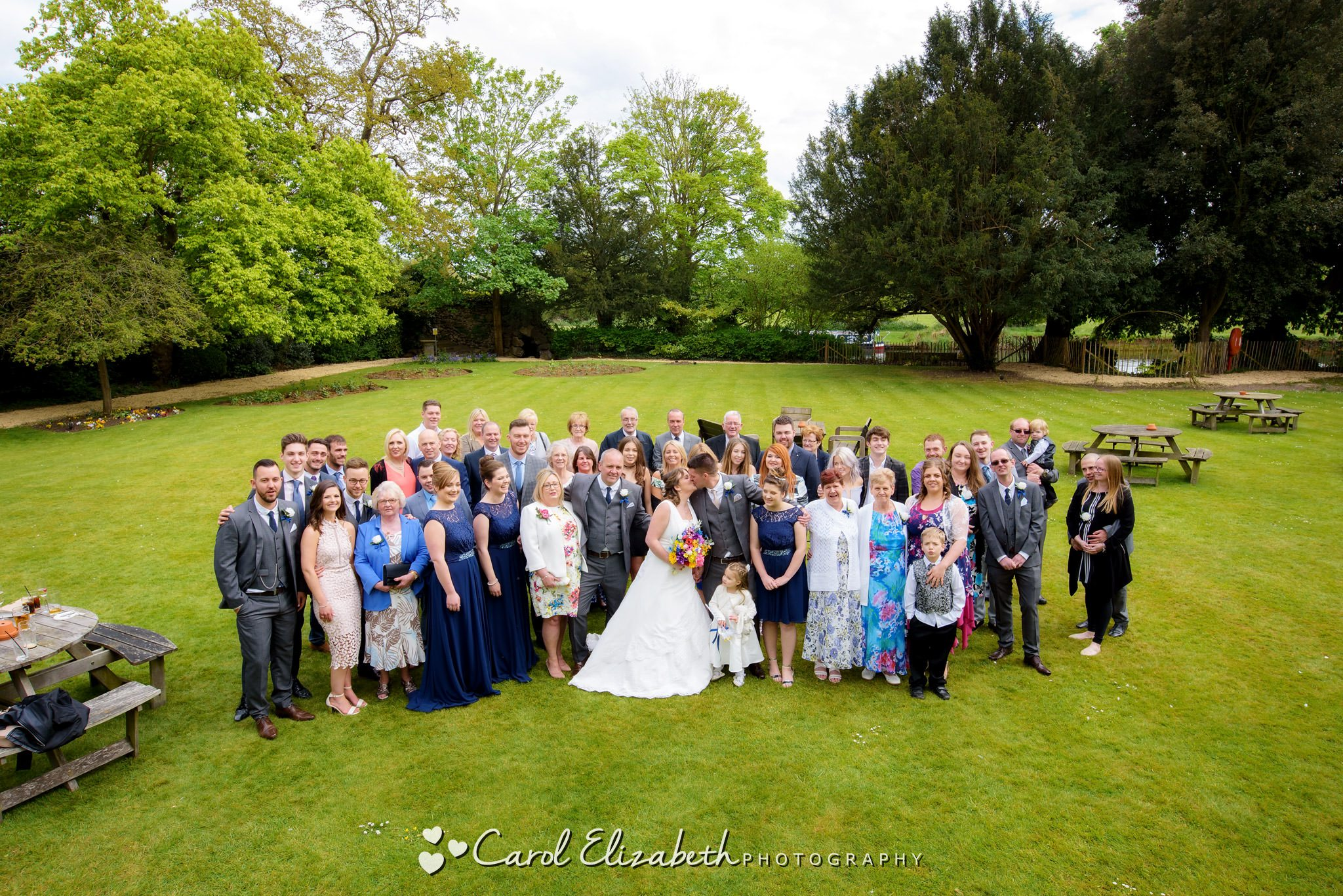Group photo at Coseners House wedding