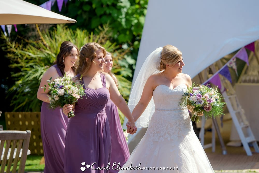 Bride and bridesmaids before the wedding
