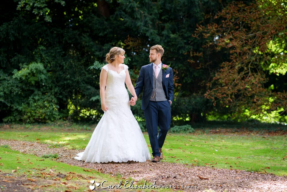 Unposed wedding photography in Abingdon and Wantage