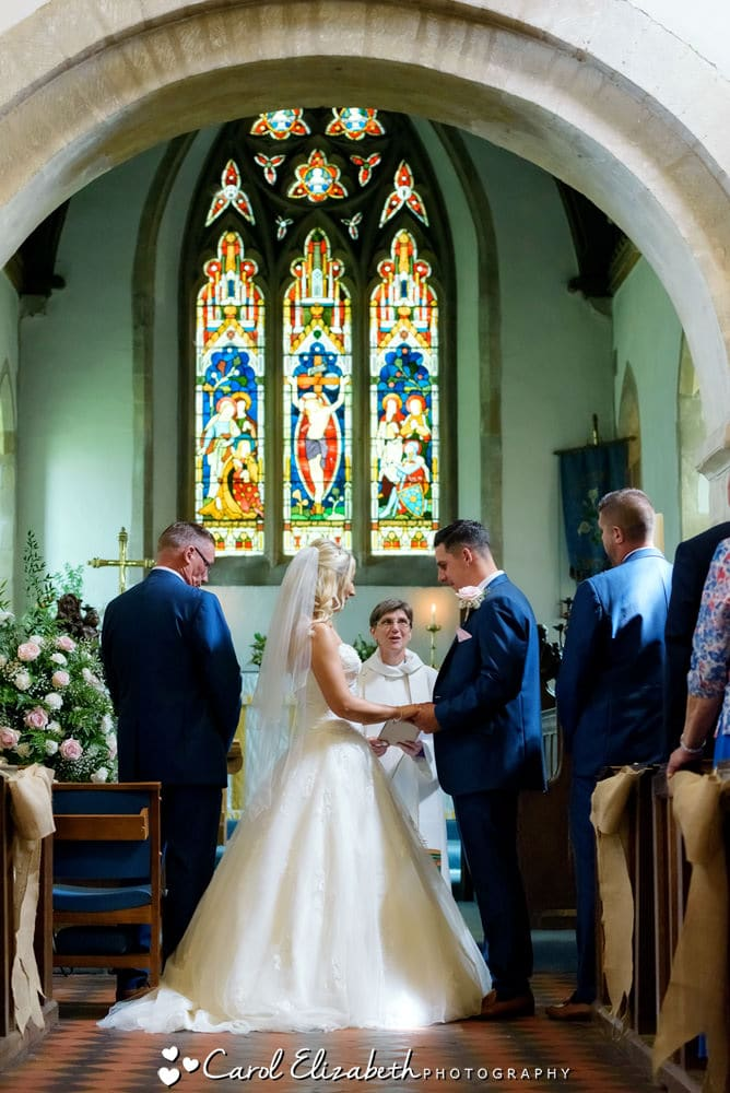 Traditional wedding photography in Oxfordshire by Carol Elizabeth Photography
