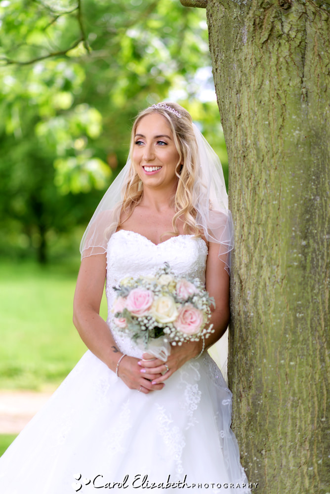 The beautiful bride at Milton Hill wedding