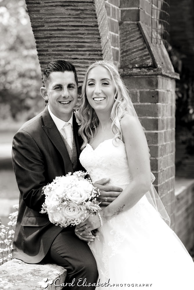 Natural and relaxed wedding portraits in Oxfordshire