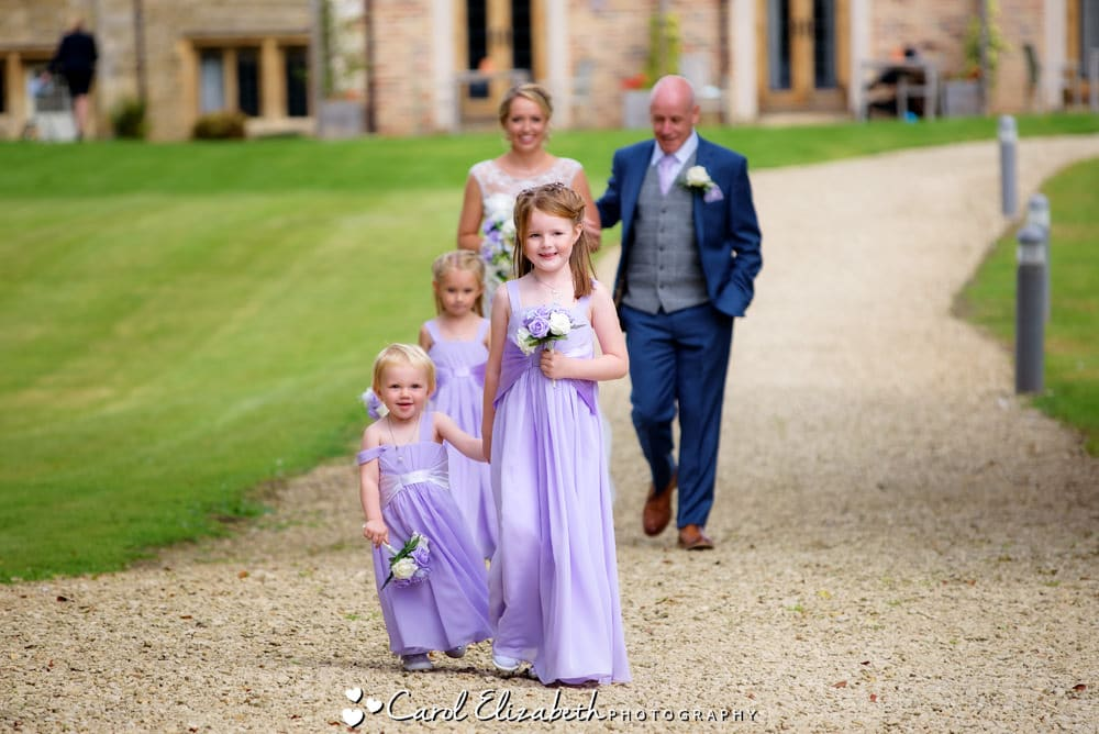 Four Pillars Oxford Thames outdoor wedding ceremony