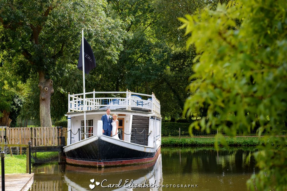 Oxford Thames Hotel wedding on the boat