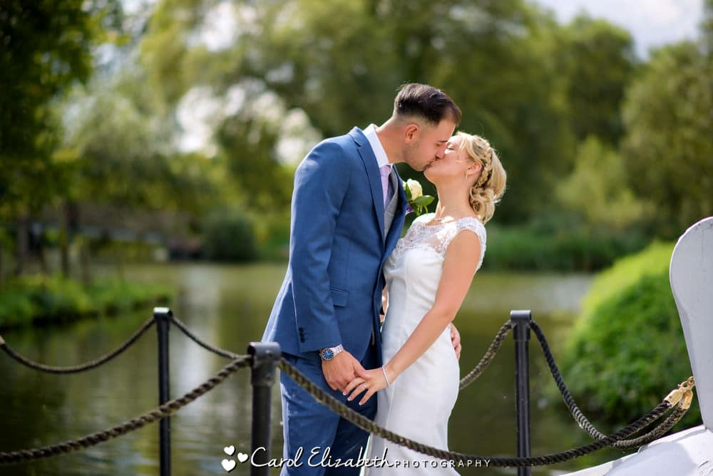 Professional wedding photographer Oxfordshire