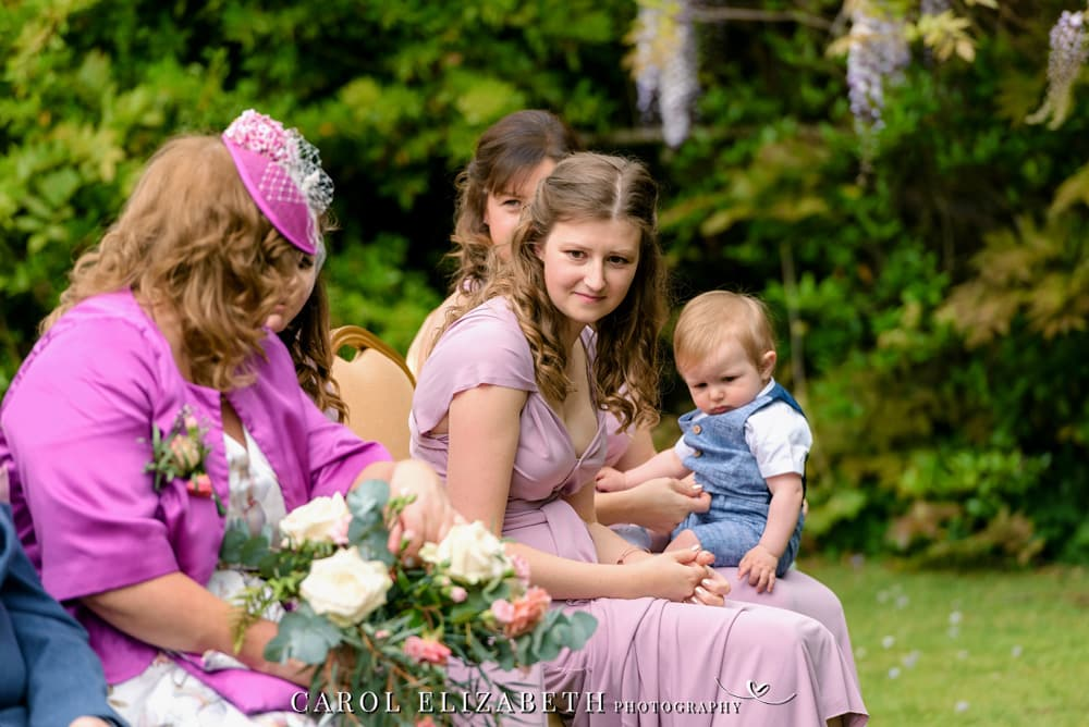Outdoor wedding ceremony in Oxfordshire - wedding photographer in Bicester