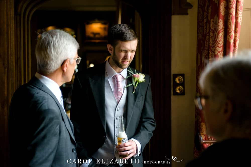 Relaxed wedding photography - unposed wedding photography