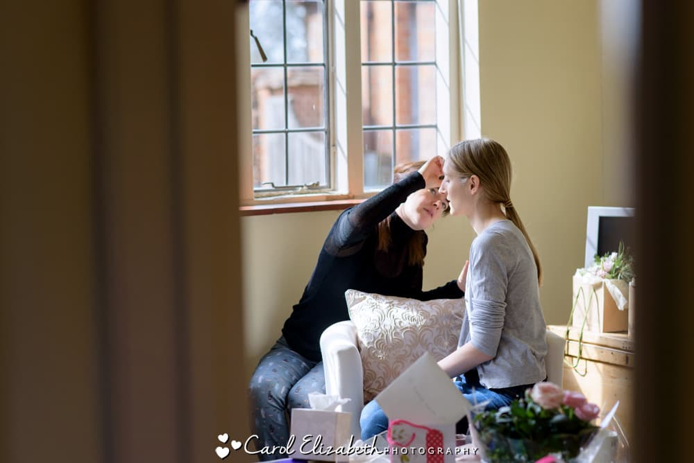Nether Winchendon House relaxed wedding photography