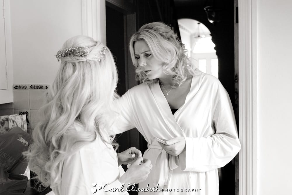Natural wedding photography in Oxfordshire - bridal preparations