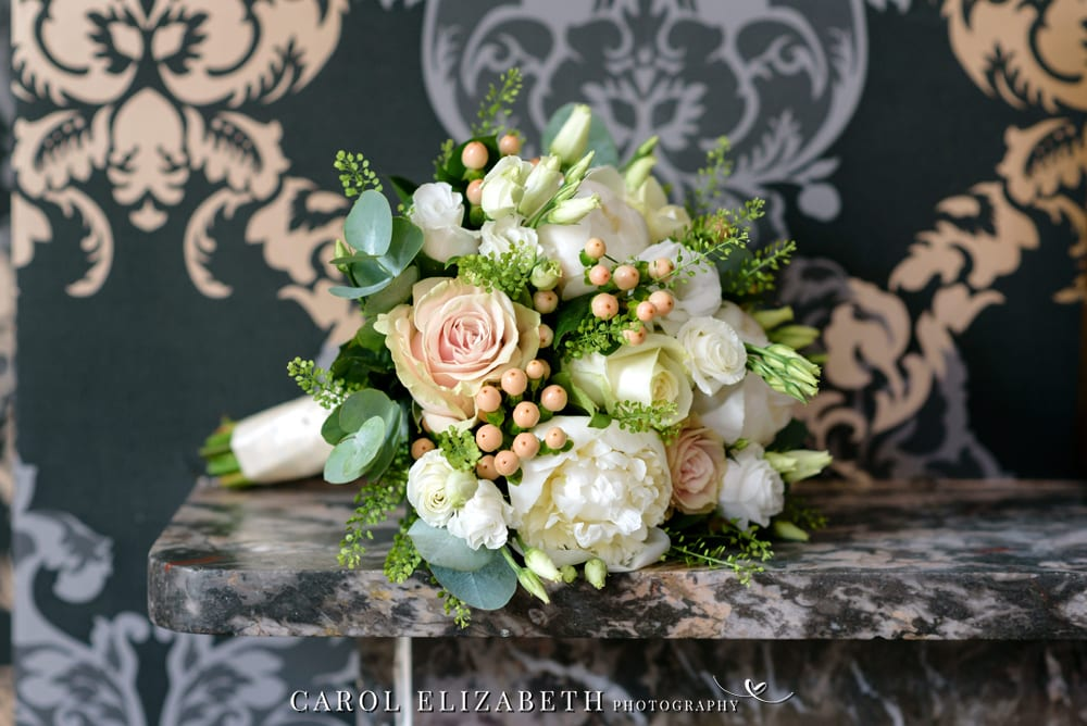 Steventon House wedding flowers by Keri the florist