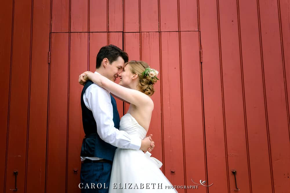 Professional wedding photography at Cogges Barn in Witney and Oxfordshire by Carol Elizabeth Photography