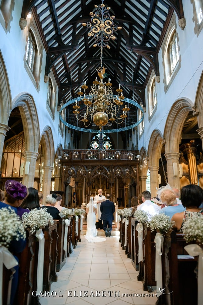 Wedding photography at St Helens Church in Abingdon by Carol Elizabeth Photography